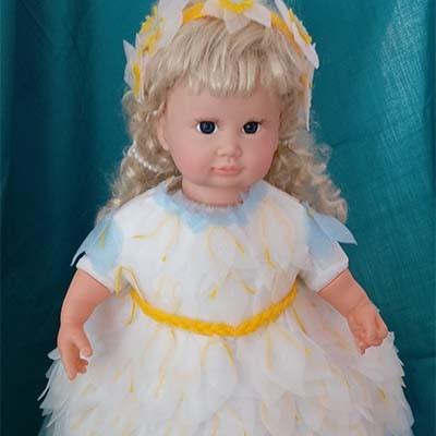 Платье для куклы из бросового материала Веснянка