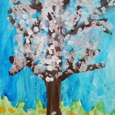 Рисунок дошкольника Яблоня в цвету
